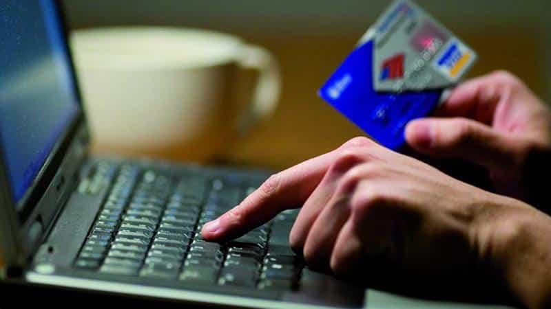 Задолженность штрафов по ГИБДД: узнать по водительскому удостоверению на частных сайтах