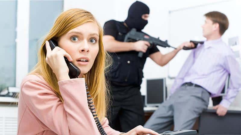 Угрожают коллекторы по телефону за чужой кредит