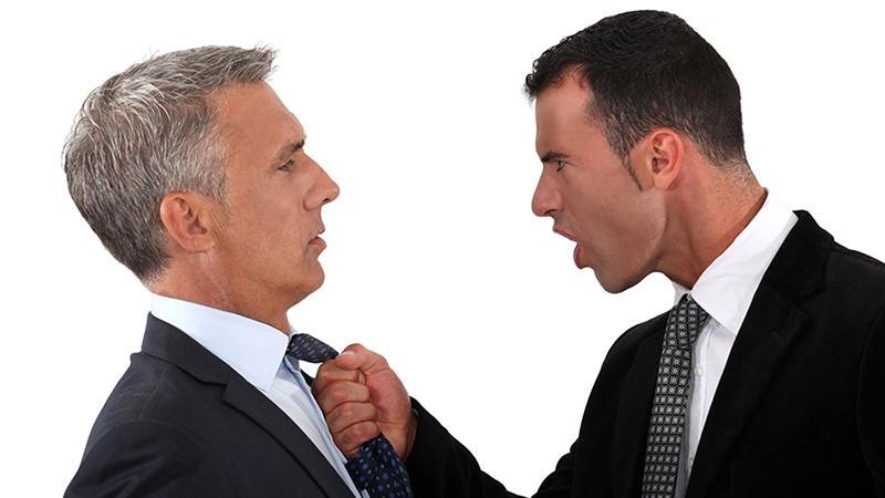 Действия коллекторов по отношению к должнику на практике