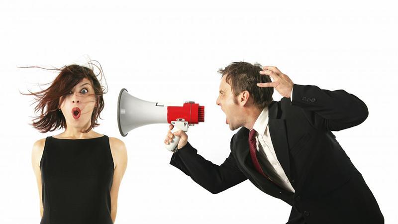 Советы юриста: как правильно общаться с коллекторами при встрече