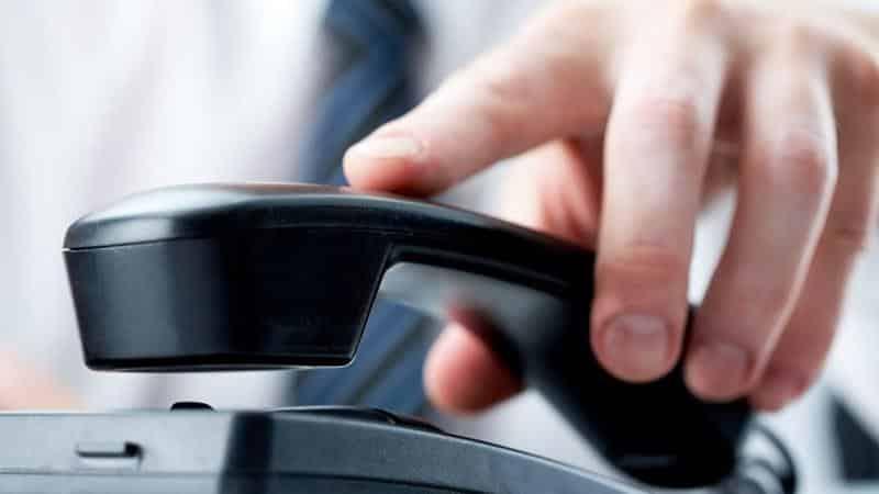 Коллекторы звонят на работу руководителю по долгу сотрудника