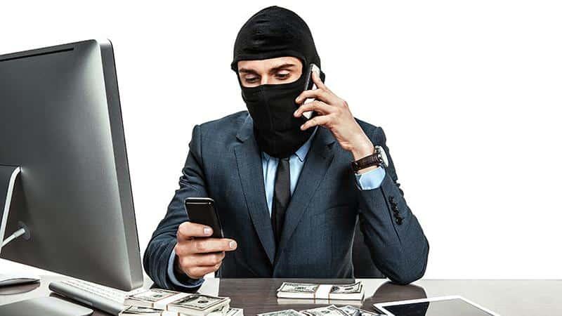 Звонят коллекторы по чужому долгу по кредиту