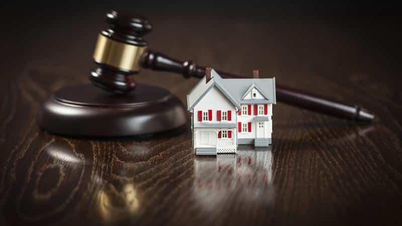 Как приватизировать квартиру с долгом по квартплате