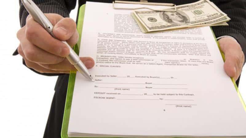 Можно ли приватизировать квартиру, если есть долг по квартплате