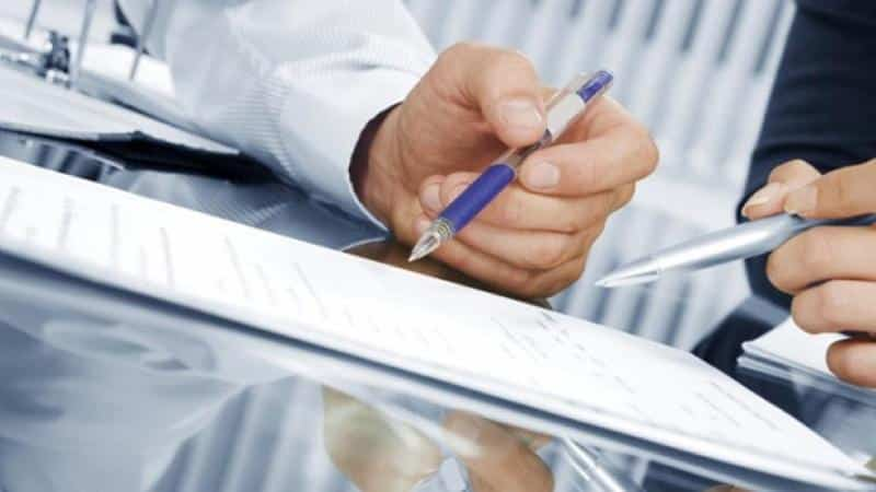 Объявление о погашении задолженности по услугам ЖКХ: действия должника