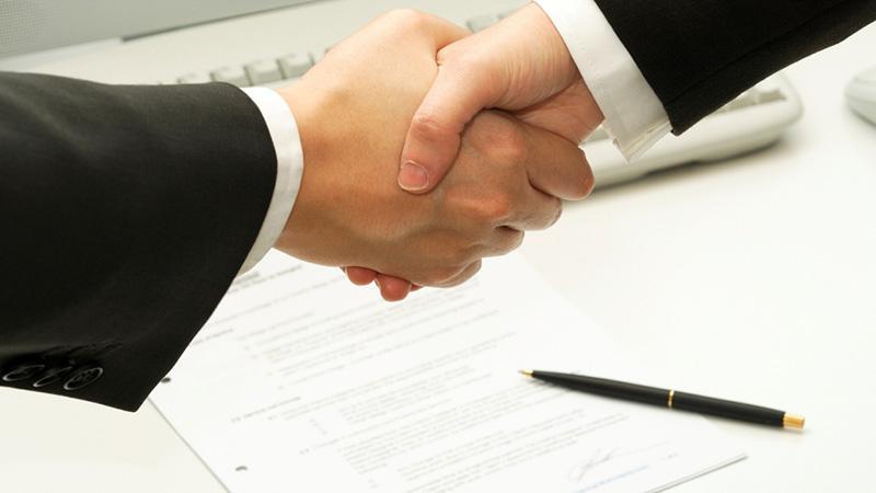 Обязан ли новый собственник платить долги по квартире
