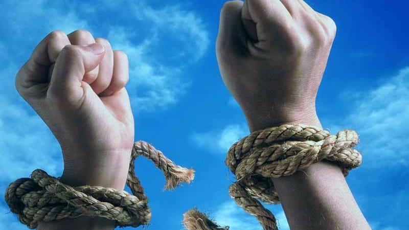 Долговая яма: когда много кредитов и займов, есть ли выход
