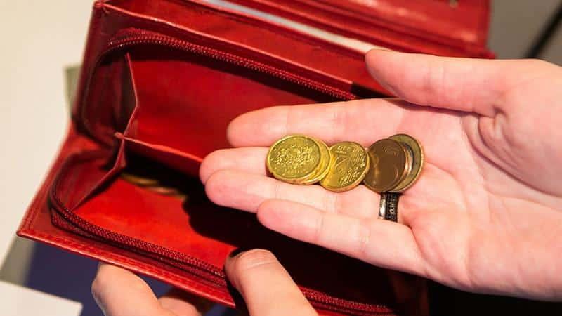 Долговая яма по кредитам: почему появляется