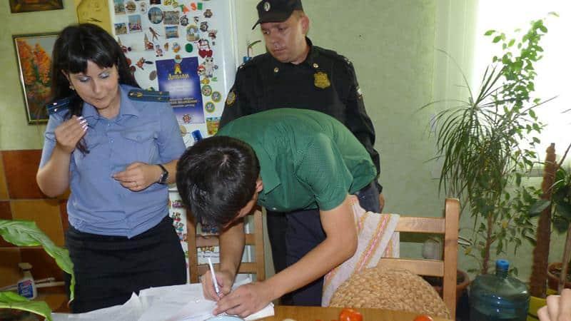 Наложение ареста на единственное жилье должника: процедура