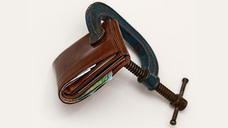 Долг за квартиру: могут ли выселить собственника
