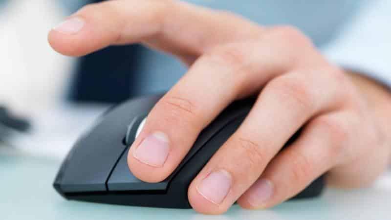 Выписаться из квартиры с долгом по квартплате: услуги в интернете