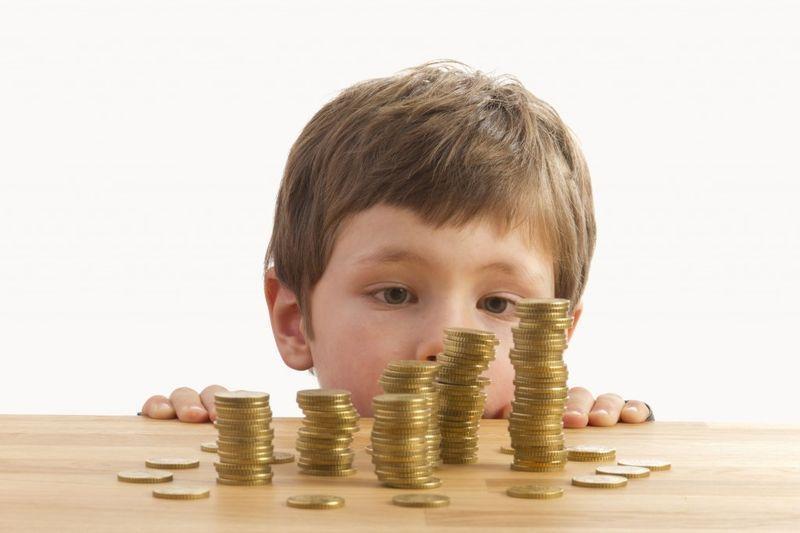 Задолженность по алиментам: какая сумма долга чем грозит