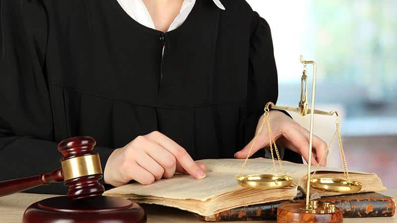 Юрист по банковским долгам: работа с должником