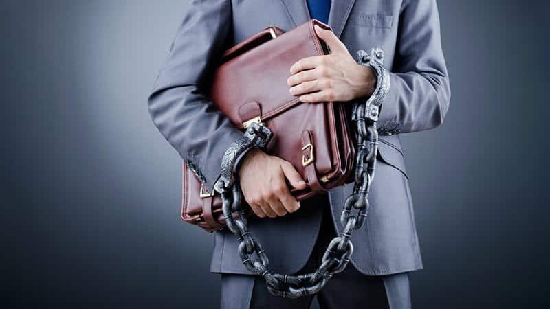 Как признать солидарную ответственность директора по налогам
