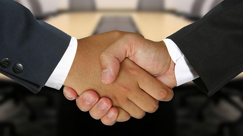 Переуступка долга между физическим и юридическим лицом: правила