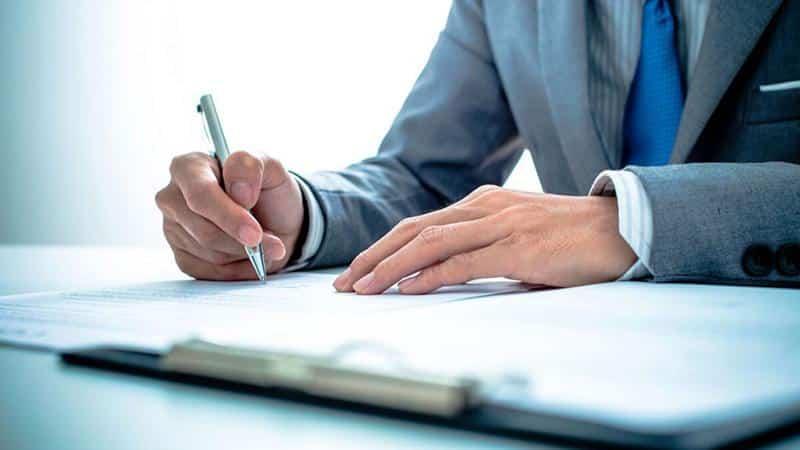 Переуступка права требования долга: особенности для юридических лиц