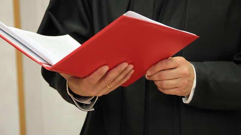 Привлечение к субсидиарной ответственности директора по долгам ООО: выход из положения