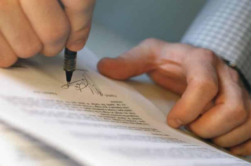 отличие договора перевода долга от договора уступки права требования