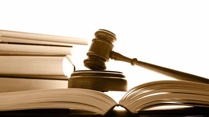Подает ли Бинбанк в суд на должников Приватбанка