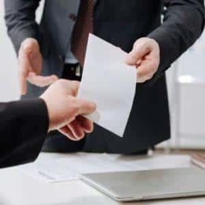 Что такое долг за предприятием на конец месяца на расчетном листе?