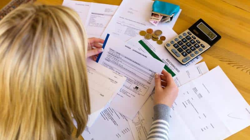 Как физическому лицу заработать на дебиторской задолженности?