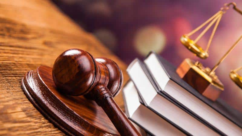Наложение ареста на дебиторскую задолженность должника судебными приставами