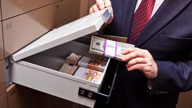 Процедура передачи денег при продаже квартиры через банковскую ячейку